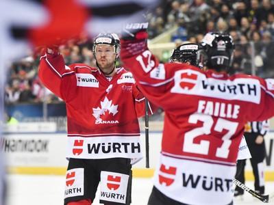 Hráči Kanady sa radujú