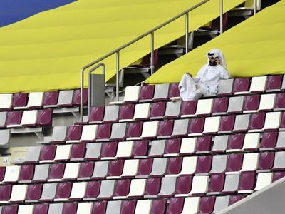Tribúny v Katare počas