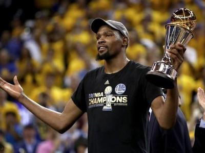 Kevin Durant sa teší