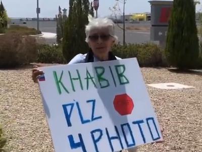 Fanúšička Khabiba Nurmagomedova
