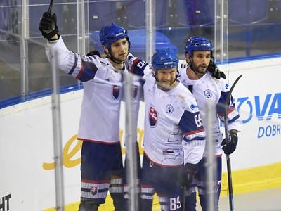Gólové oslavy slovenských hokejbalistov