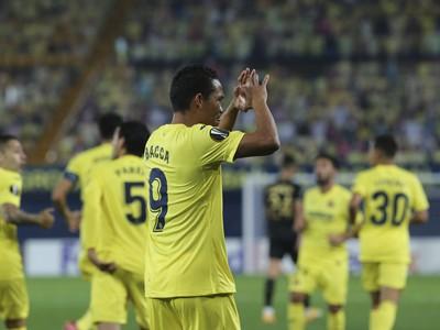 Futbalisti Villarrealu oslavujú ďalšie víťazstvo