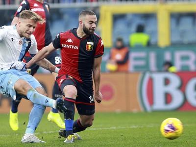 Futbalista Ciro Immobile (vľavo)