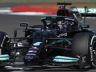 Lewis Hamilton víťazom Veľkej ceny Veľkej Británie