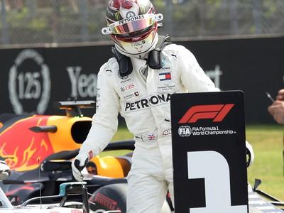 Lewis Hamilton sa stal víťazom kvalifikácie na Veľkú cenu Nemecka