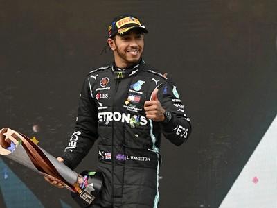 Lewis Hamilton získal siedmy