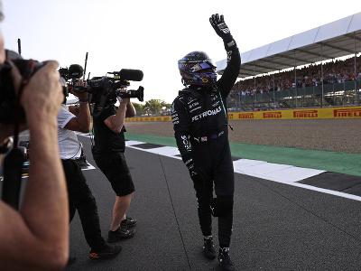 Lewis Hamilton sa teší z víťazstva v kvalifikácii
