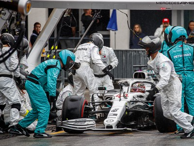 Lewis Hamilton v boxoch
