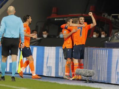 Edin Viscascores a jeho gólové oslavy so spoluhráčmi