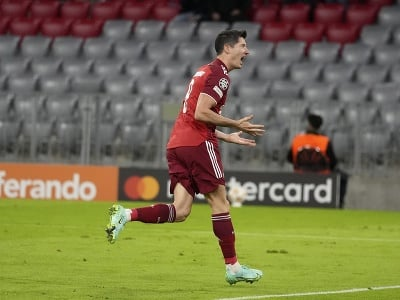 Robert Lewandowski oslavuje úvodný gól