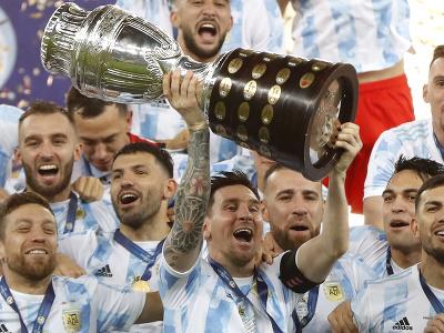 Lionel Messi oslavuje triumf