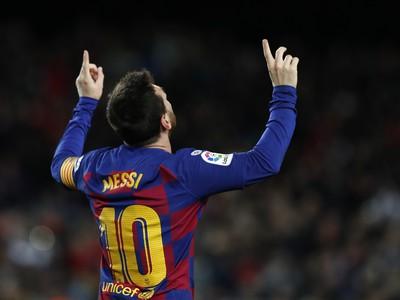 Lionel Messi vo svojej tradičnej pozícii hrdinu Blaugranas