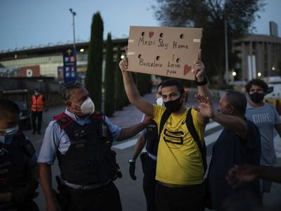 Fanúšikovia Barcelony protestujú proti