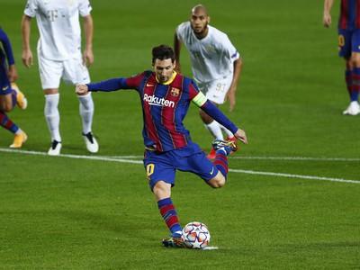 Lionel Messi strieľa gól