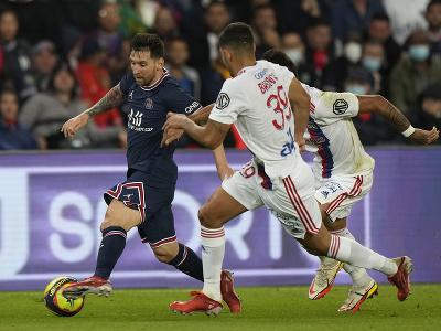 Lionel Messi pri lopte