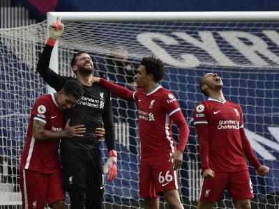 Alisson oslavuje gól Liverpoolu