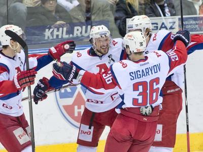 Hráči Lokomotivu Jaroslavľ oslavujú