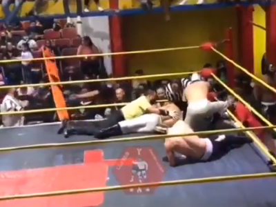 Mexický zápasník skolaboval priamo