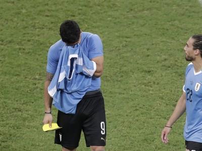 Sklamaný Luis Suárez po vypadnutí s Peru