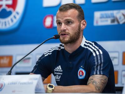 Na snímke hráč ŠK Slovan Lukáš Pauschek počas tlačovej konferencie