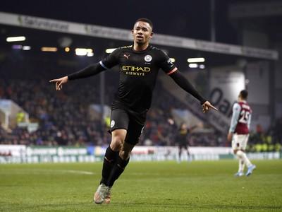Hráč Manchesteru City Gabriel Jesus oslavuje úvodný gól do bránky Burnley