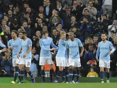 Hráči Manchesteru City oslavujú