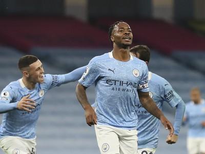 Sterling oslavuje gól