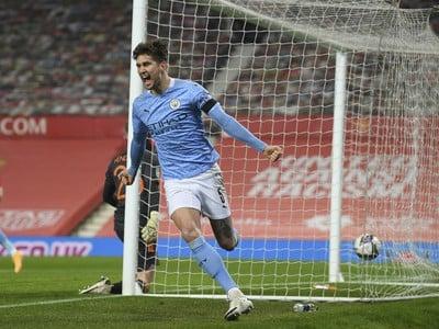 John Stones oslavuje gól