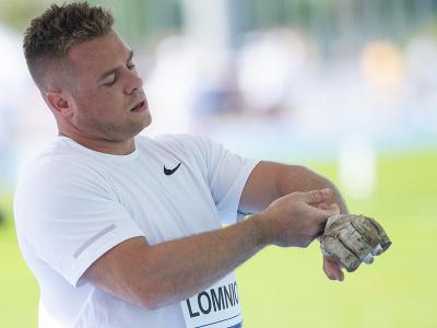 Slovenský kladivár Marcel Lomnický v súťaži na atletickom mítingu P-T-S v Šamoríne