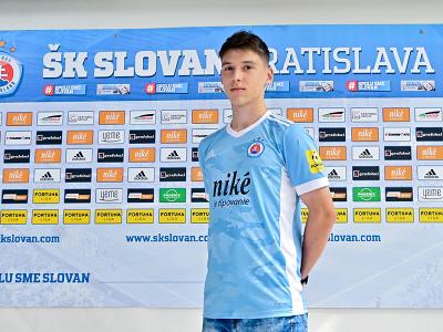 Talentovaný obranca Marek Mičák