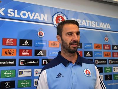 Na snímke nový tréner