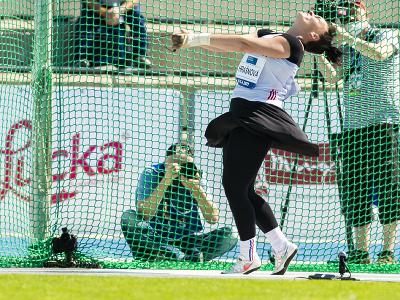 Slovenská kladivárka Martina Hrašnová v súťaži na atletickom mítingu P-T-S v Šamoríne