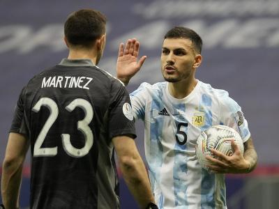 Argentínčan Leandro Paredes oslavuje