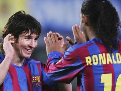 Messi a Ronaldinho počas