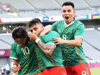 Radosť hráčov Mexika z gólu