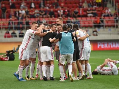 Na snímke radosť futbalistov