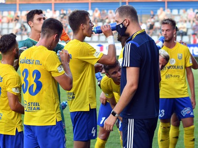 Na snímke hráči MFK