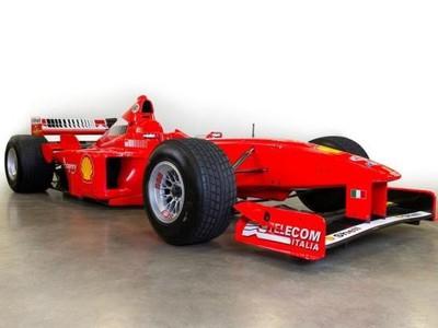 Schumacherov monopost Ferrari F300