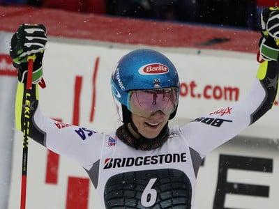 Mikaela Shiffrinová v cieli obrovského slalomu žien Svetového pohára vo francúzskom stredisku Courchevel