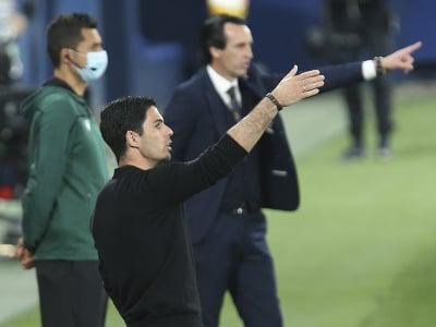 Mikel Arteta rozdáva pokyny