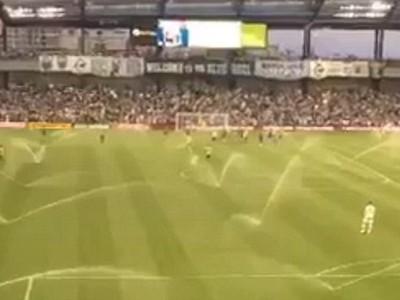 Zavlažovanie priamo počas zápasu