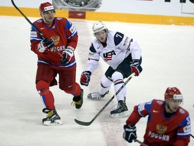 Alexander Ovečkin a Danny Kristo