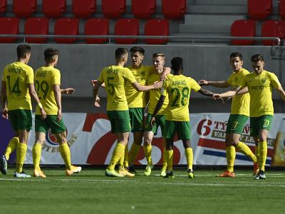 Hráči MŠK Žilina sa tešia po druhom góle