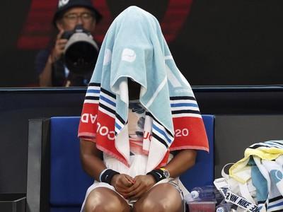 Naomi, nemáš sa za čo hanbiť