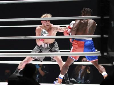 Jake Paul v ringu s nate Robinsonom