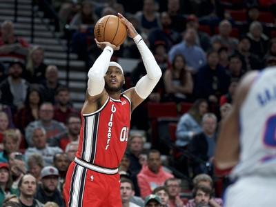 Carmelo Anthony strieľa