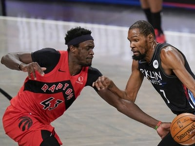 Kevin Durant a Pascal