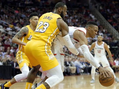 LeBron James a Russell Westbrook