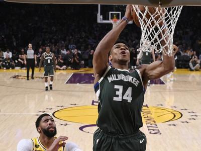 Útočník Milwaukee Bucks Giannis Antetokounmpo