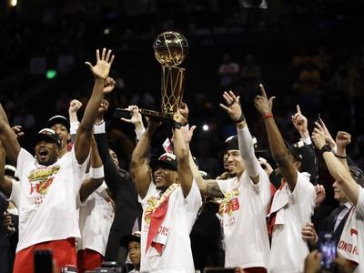 Oslavy hráčov Toronta Raptors